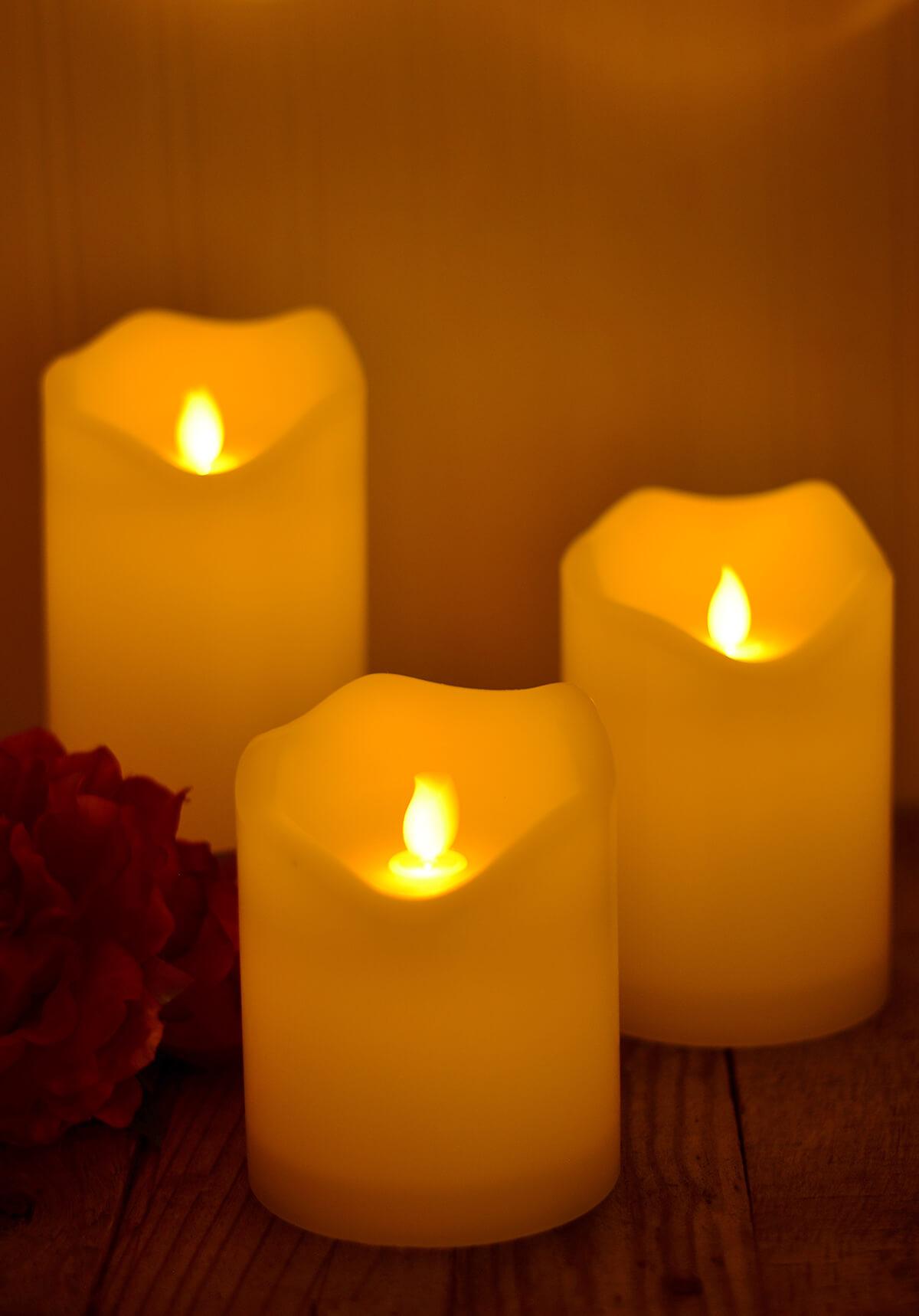 Animated candle flame