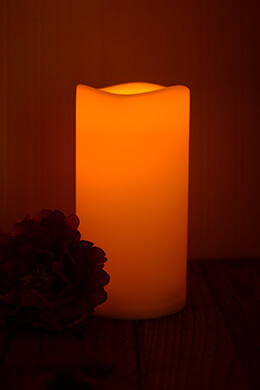 LED Resin Candle Wavy Edge 4.5x9in