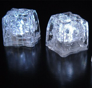 8 White LED Ice Cubes Submersible