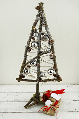Lighted Wood Christmas Tree 23in