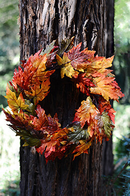 Maple Leaf Wreath Glitter 20in