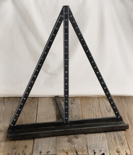 "Mason Ruler Easel 21"" Black Metal"