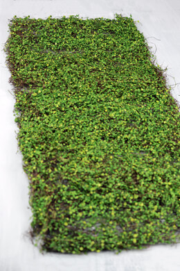 Woodland Moss Leaf  Runner 16 x36
