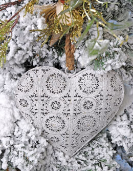 Metal Heart Ornament 9in