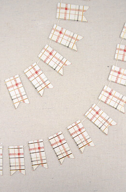 Mini Swallowtail Plaid Paper Banner Plaid 8'