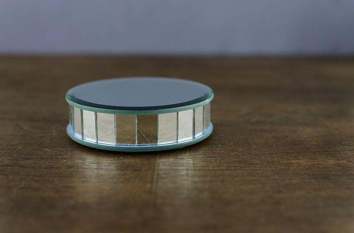 """4"""" Mirror Riser Round Display"""