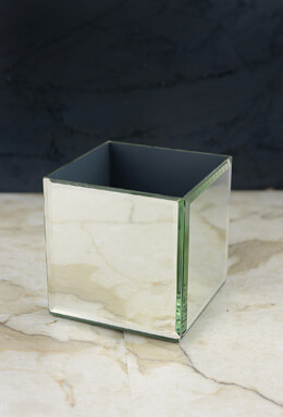 Mirror Cube Display and Vase 5in