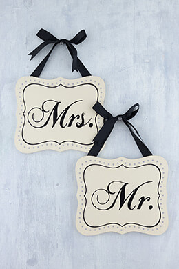 Mr & Mrs Wood Signs 7.8x6.7in