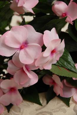 Silk Impatiens Pink