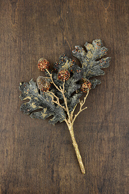 Oak Leaf and Acorn Spray 12in