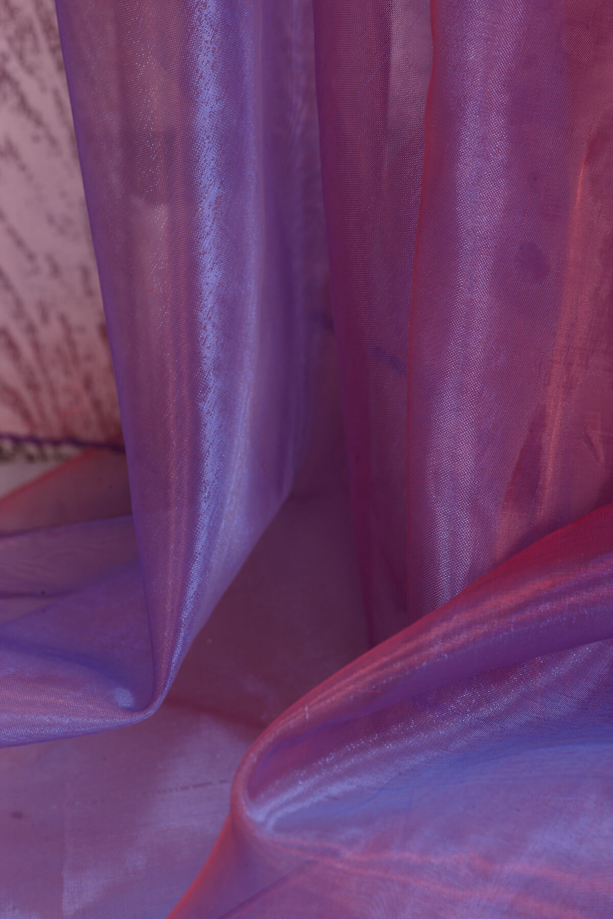 """Two Tone Organza Red & Blue Fabric ( 28"""" width x 3 yds)"""