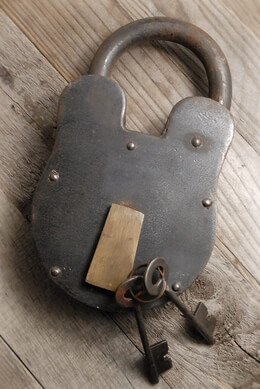 "Padlocks Large 11"" Padlock and Keys"
