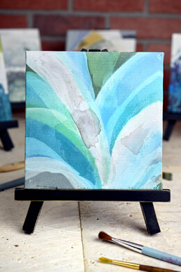Beth Kushnick's Lily Flower with Mini Easel