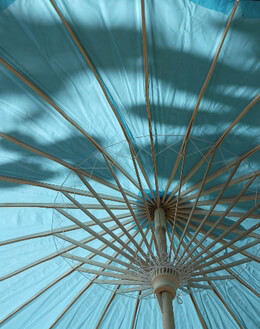 Parasol Turquoise 32in