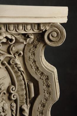 Pedestals, Risers, Displays, Finials