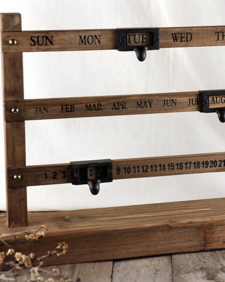 Wood Perpetual Calendar 22in