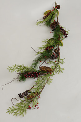 Pine & Berry Garland 60in