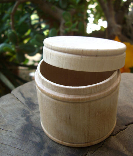"2"" Round Unfinished Wood Box with Lid"