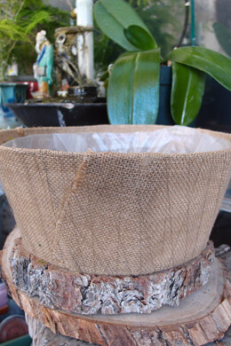 "Burlap Covered Round Basket Planter 12"" x 5"" w/Liner"