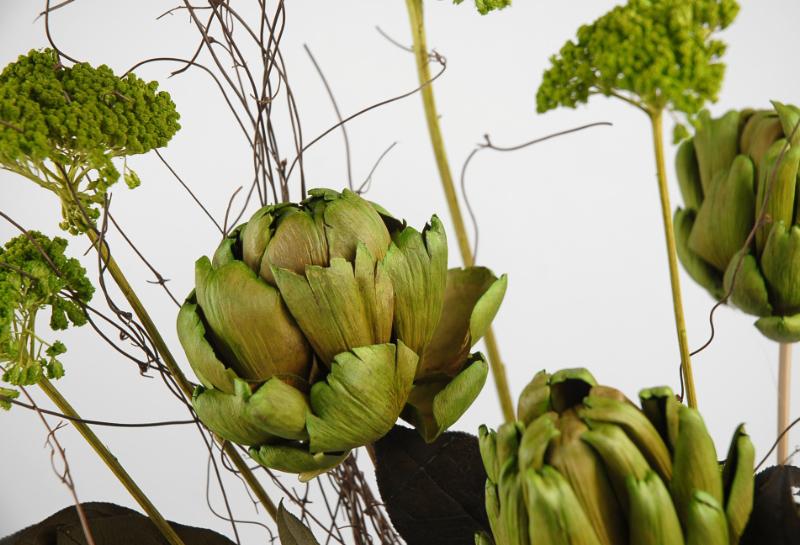 "Dried & Preserved Artichoke & Angel Vine Bouquet 24"""