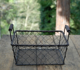 Rustic Rectangle Wire Basket Medium