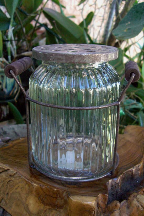 Ribbed Potpourri Jar in Metal Holder