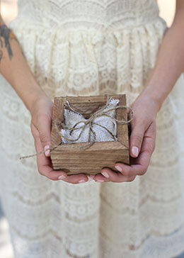 Ring Bearer Box with Burlap Pillow 4in