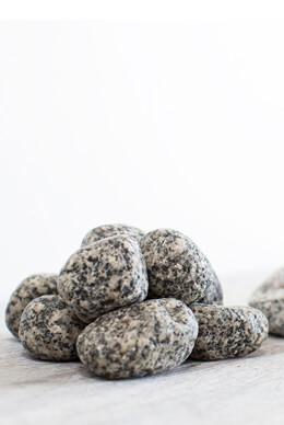 Natural Stone Granite Rock Vase Filler  3-5cm 2kg