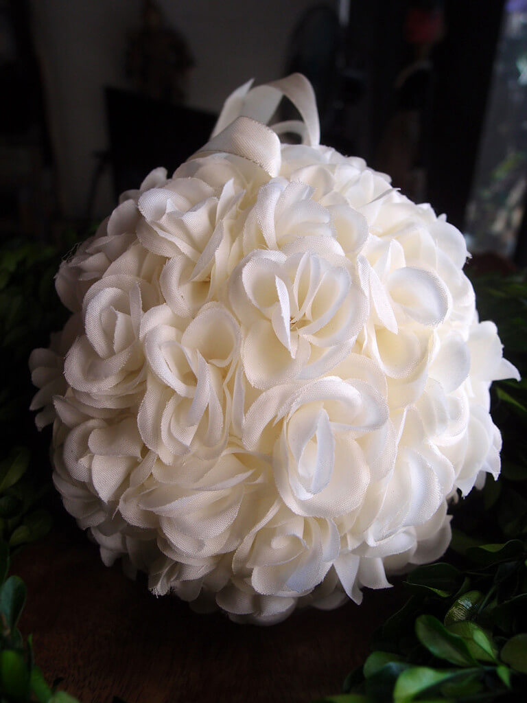 "White Rose 6"" Pomander Kissing Ball"