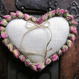 Rosebud Heart Ring Pillow White Burlap