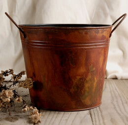 Rust Stained Flower Bucket with handles 6.5in