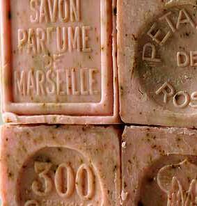 Savon de Marseille (Marseille Soap) Rose Petal Soap Exfoliating Cube 300 gram