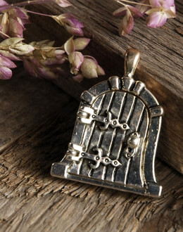 Fairy Door Silver Charm 1in