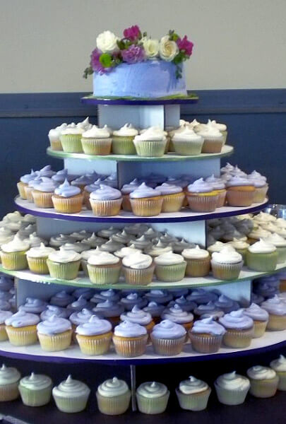 Wedding Cake And Cupcake Holder