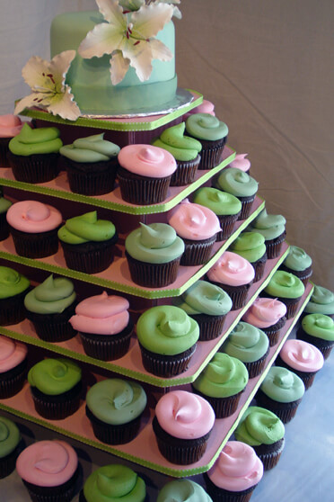 cupcake stands for 100 cupcakes wedding
