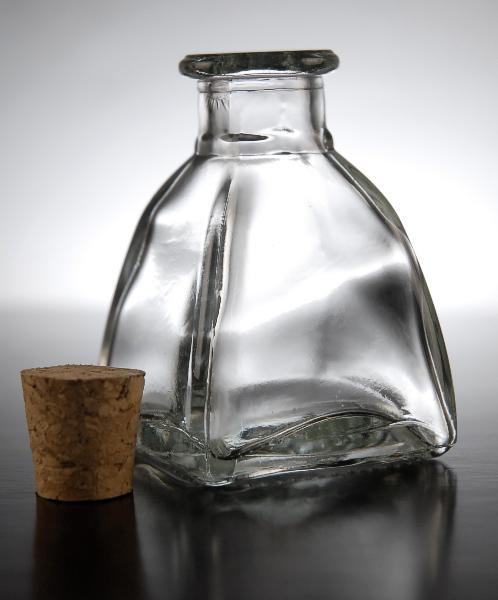 24 Diamond Shape 3in Glass Bottles 2oz  Cork Tops