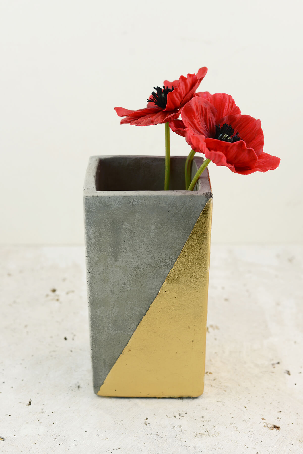 Gold Dipped Paradox Vase 6 Inch