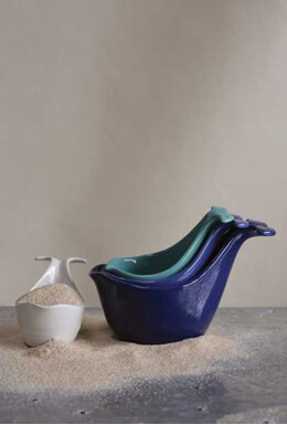 4 Stoneware Whale Shaped Measuring Cups