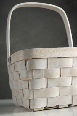 Small Woodchip Rectangle White Basket with Handle 8in