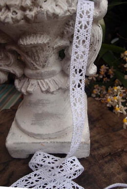 Lace Ribbon White 1.5in