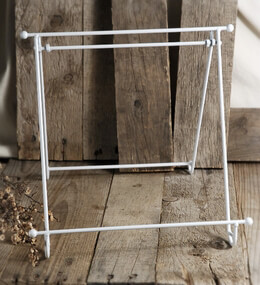Metal Easel White Enamel 10in