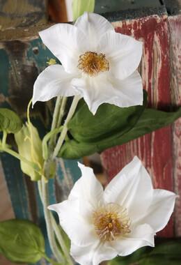 """White Silk Clematis 48"""" Garland"""