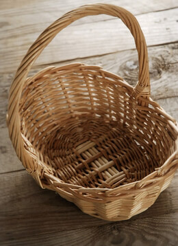 Small Wicker Basket with Handle 10in
