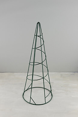 Wire Topiary Cone Green 15in