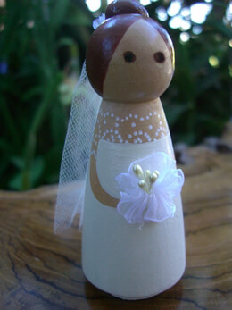 Wood Cake Toppers : Elegant Bride Tulle Veil Brown/Red Hair