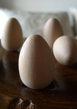 Solid Wood Eggs (Pack of 25)