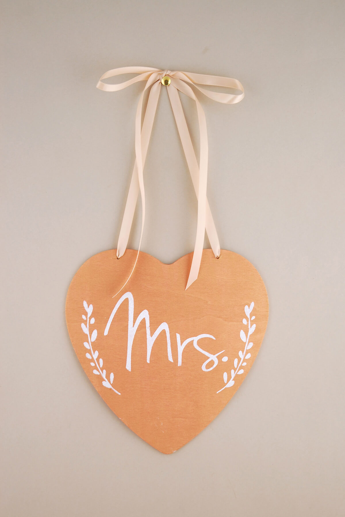 Wood Heart Sign Mrs. 8.5in