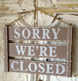 Wood Pallet Open / Closed Sign (17x12)