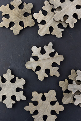 Wood Snowflakes 4in (Pack of 11)