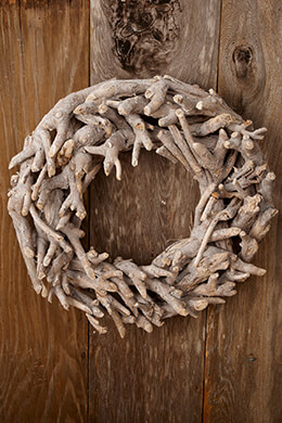 Wood Wreath White 15in